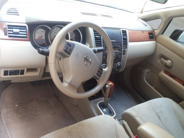 TIDA 1.8 full option perfect condition 2009 sedan only