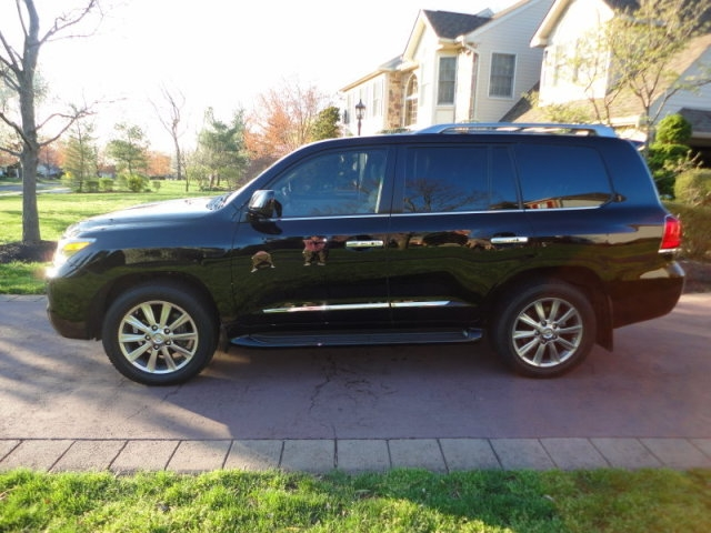 2013 Lexus LX 570 / Toyota Avalon 2012 Limited Edition White Color
